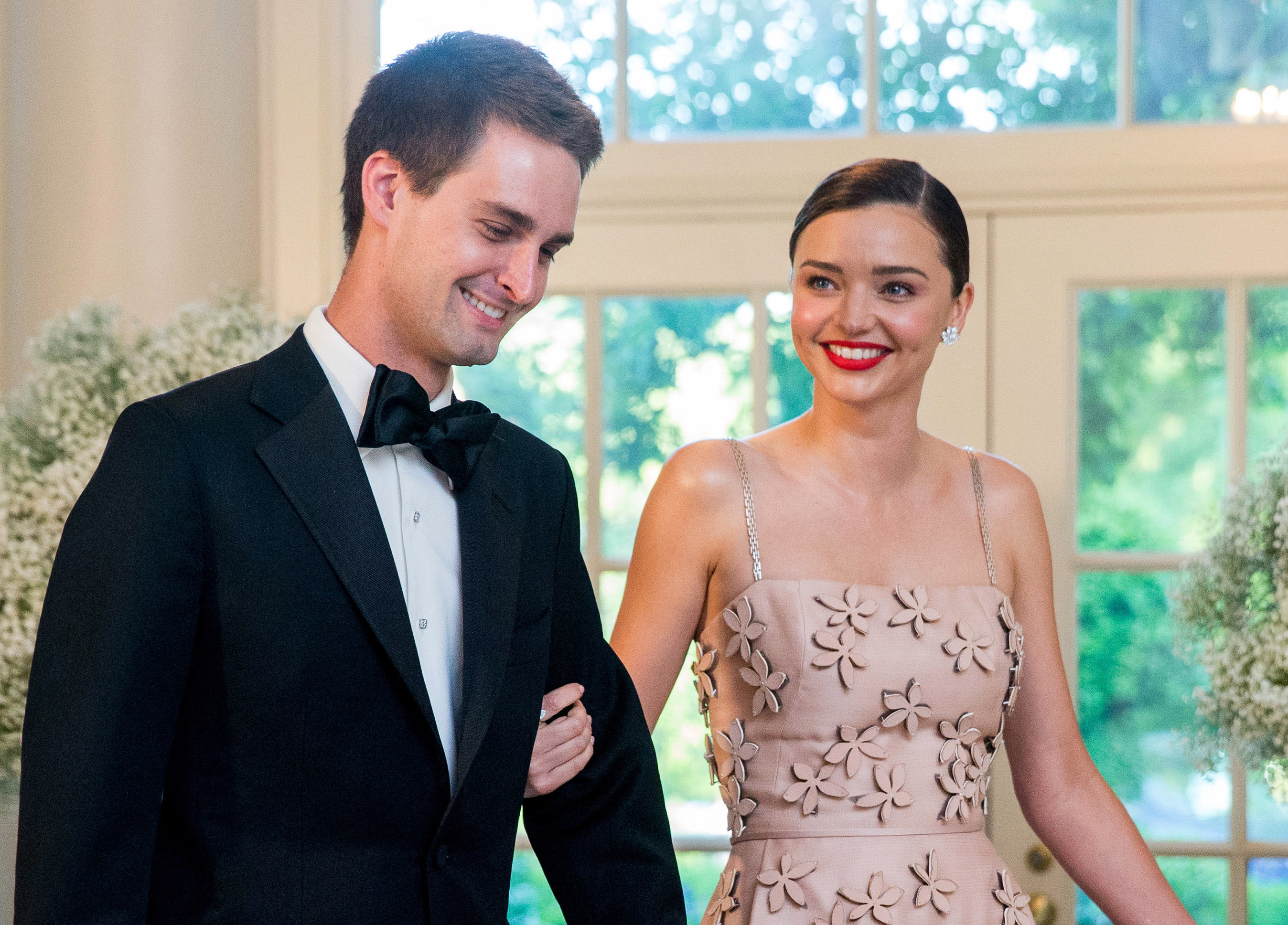 Miranda Kerr s-a logodit cu fondatorul aplicatiei Snapchat, Evan Spiegel