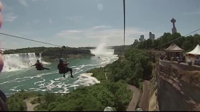 O noua atractie pentru milioanele de turisti care viziteaza anual cascada Niagara. Cum arata privelistea de la inaltime