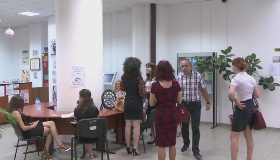 Lupta universitatilor din Romania pentru a atrage studenti. Ofertele inedite pentru cei mai buni absolventi de liceu