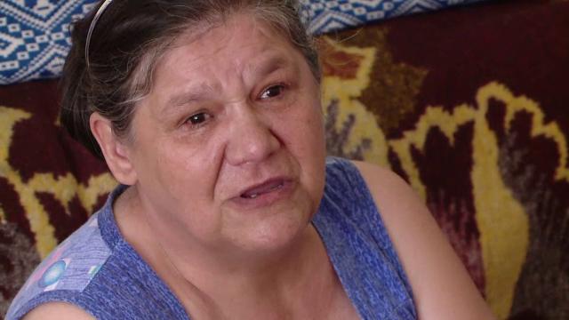 O femeie invalida din Iasi si baiatul sau bolnav psihic risca sa fie dati afara din locuinta. Care este singura lor scapare