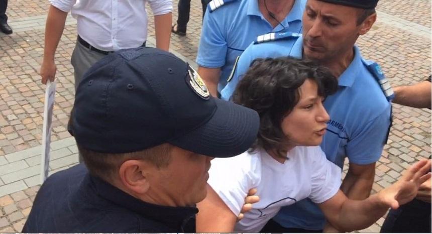 Godina, despre tanara ridicata de jandarmi la Cluj: