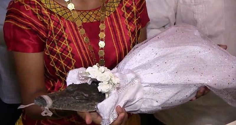 Ceremonie bizara oficializata in Mexic: un pescar s-a casatorit cu un crocodil. De ce a recurs la un asemenea gest. VIDEO