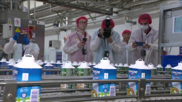 (P) Danone Romania a implinit 18 ani si a organizat Ziua Portilor Deschise la Fabrica de iaurt din Colentina