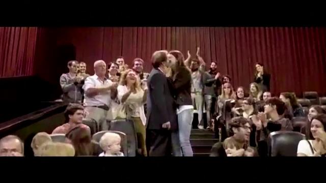 Un argentian a dorit sa-si surprinda iubita si a pregatit o cerere in casatorie ca in filme