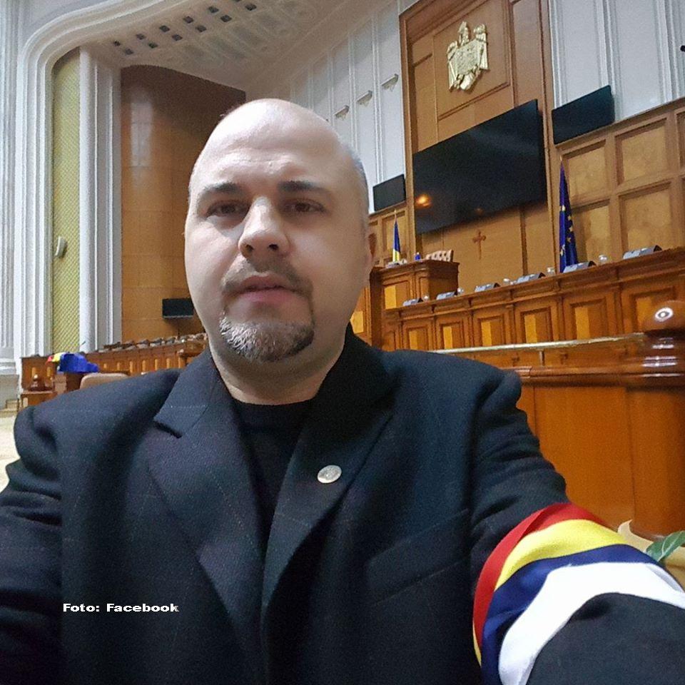 """Emanuel Ungureanu, nou mesaj pentru Emil Boc: """"Este timpul să vă lepădați de lucani și să vă cereți iertare"""""""