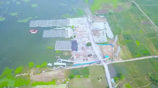 Cea mai mare ferma solara plutitoare din lume, construita in China. Energie verde pentru 15.000 de familii