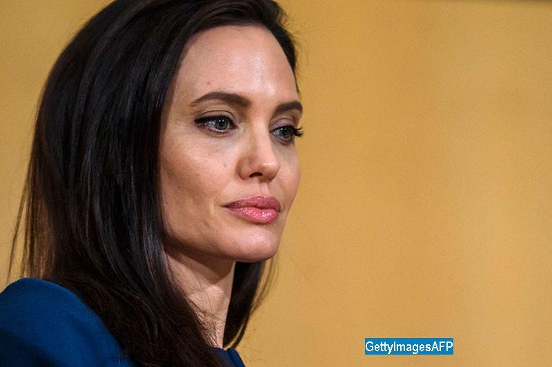 Cu cine ar avea o relație Angelina Jolie, după despărțirea de Brad Pitt