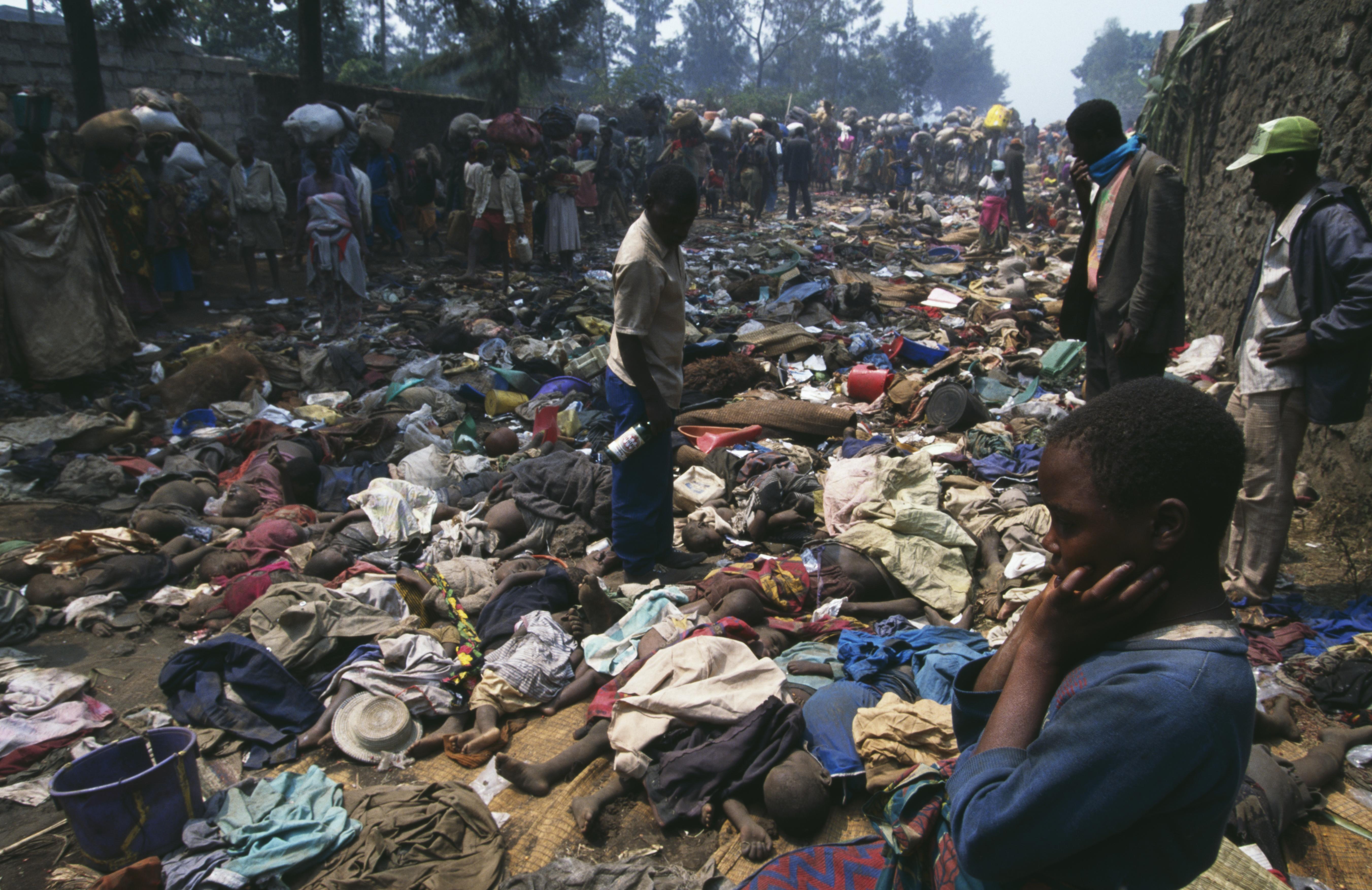 Țara în care băieții sunt obligați să-și violeze propriile mame și există dovezi de canibalism