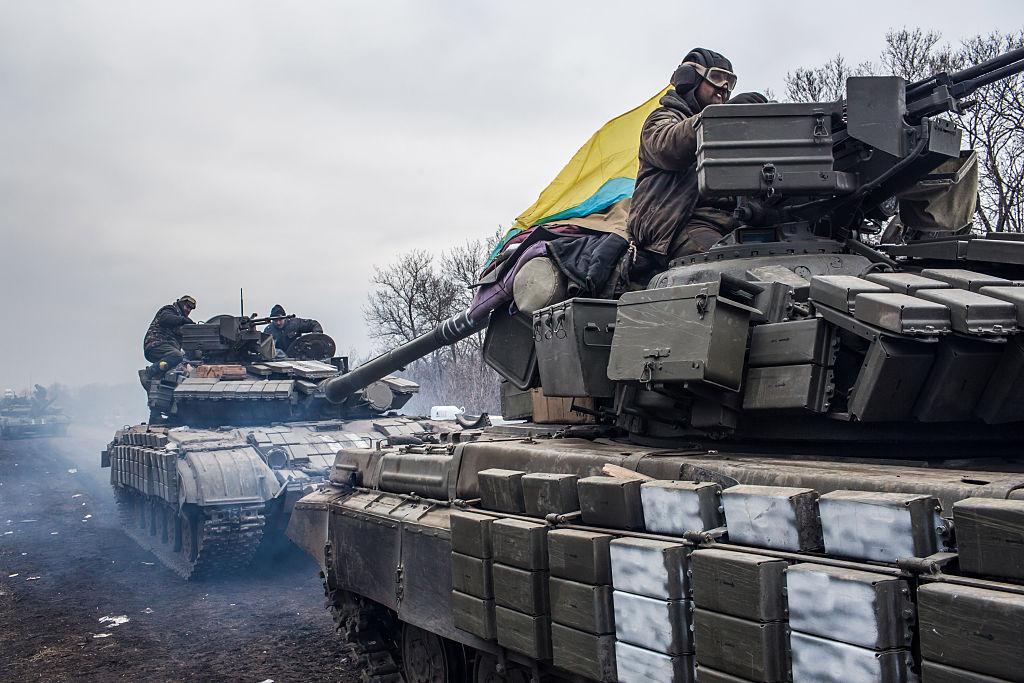 Trei soldați ucraineni, uciși de o explozie suspectă de obuz de mortier