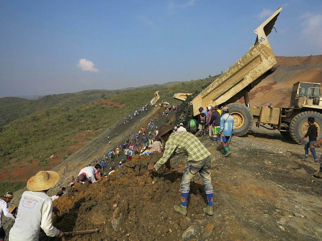 Alunecare de pământ la o mină de jad. Sunt cel puțin 15 morți și 45 de răniți