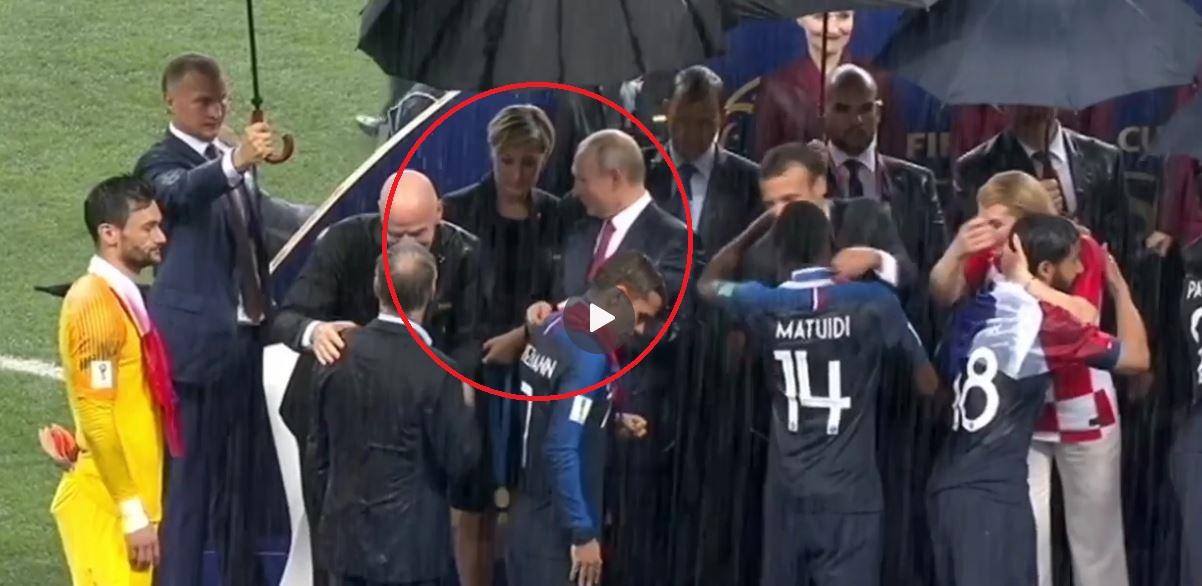 """Putin, acuzat că """"a furat o medalie de aur"""" după finala Cupei Mondiale. Ce s-a petrecut de fapt"""