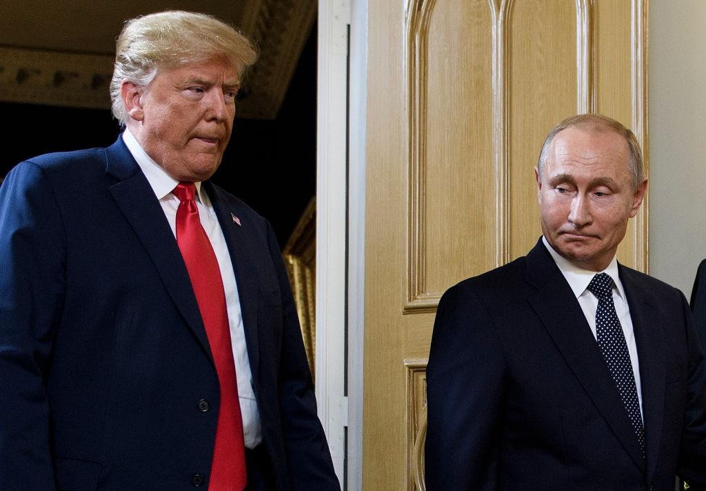 Politico: Putin i-a propus lui Trump mai multe subiecte pentru negociere, la summitul de la Helsinki