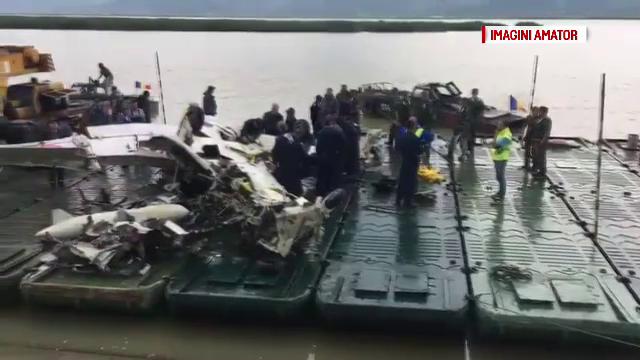 Ce s-a întâmplat cu epava avionului prăbuşit în Bacău
