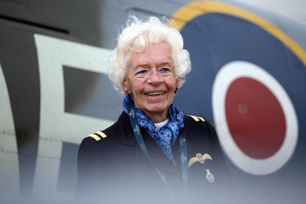 """Mary Ellis, """"eroina"""" care a lucrat ca pilot în al Doilea Război Mondial, a murit la 101 ani"""