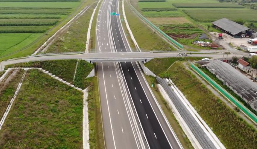 Când vom putea circula pe cei 70 de km ai autostrăzii Sebeș-Turda. Ultimele 2 tronsoane sunt aproape gata