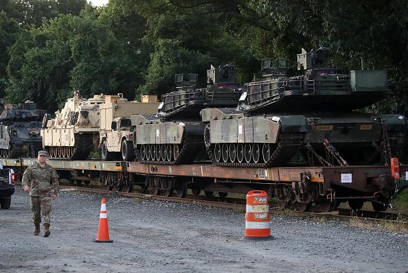 Trump a scos tancuri pe străzi în SUA. Mesajul armatei către populație