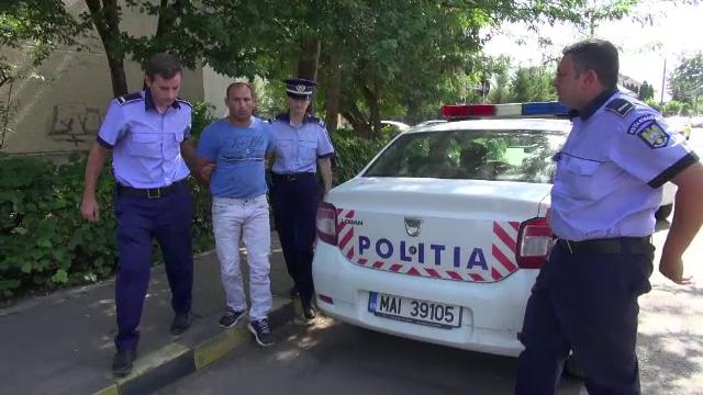 Un violator eliberat de 2 luni a terorizat un sat. O femeie s-a ascuns în dulap