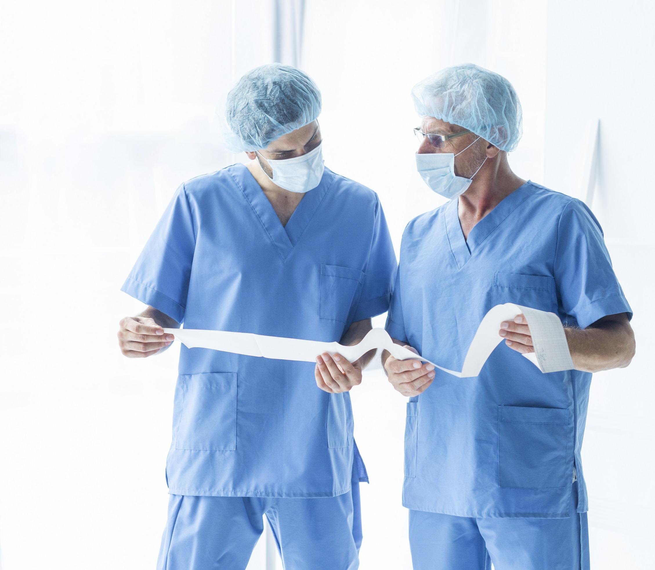 (P) Ai nevoie de uniforme medicale pentru angajați? Iată ce trebuie să ai în vedere