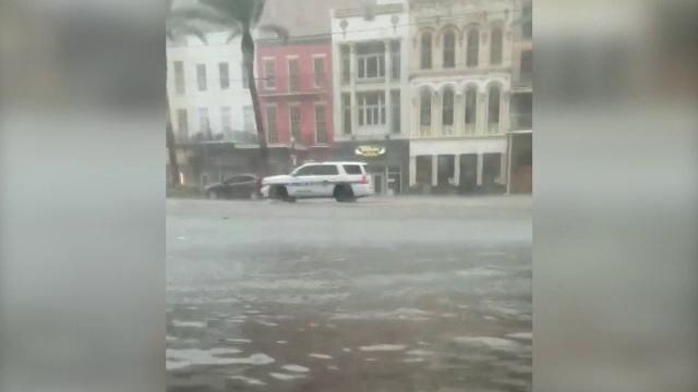 Stare de alertă în SUA: Orașul New Orleans se pregătește pentru un uragan devastator