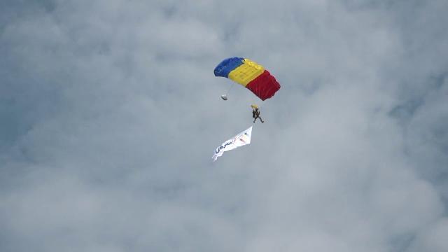 Ziua Aviației Române și a Forțelor Aeriene. Spectacol în Piaţa Aviatorilor din Capitală
