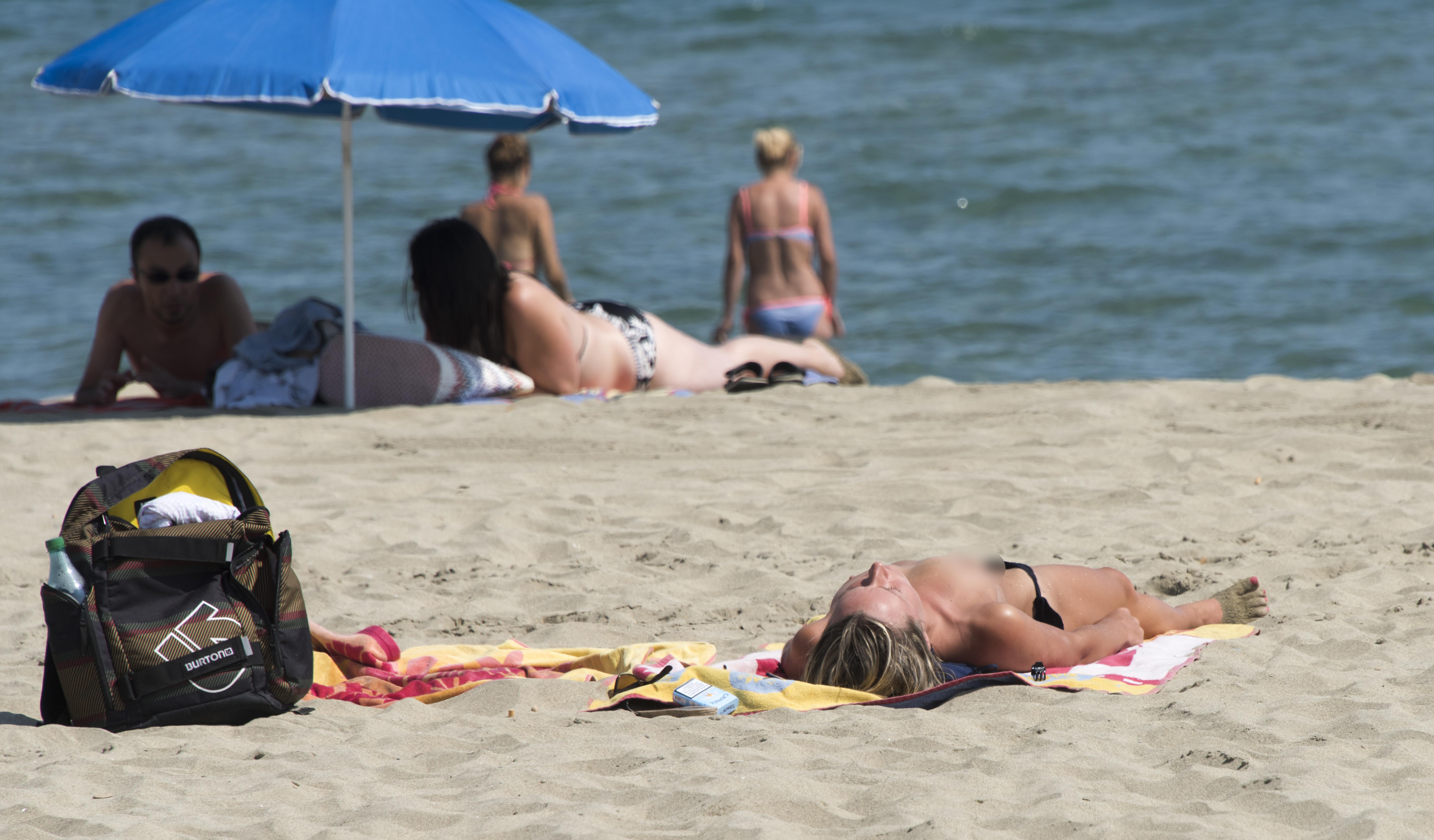 De ce se tem franţuzoaicele să mai facă plajă topless