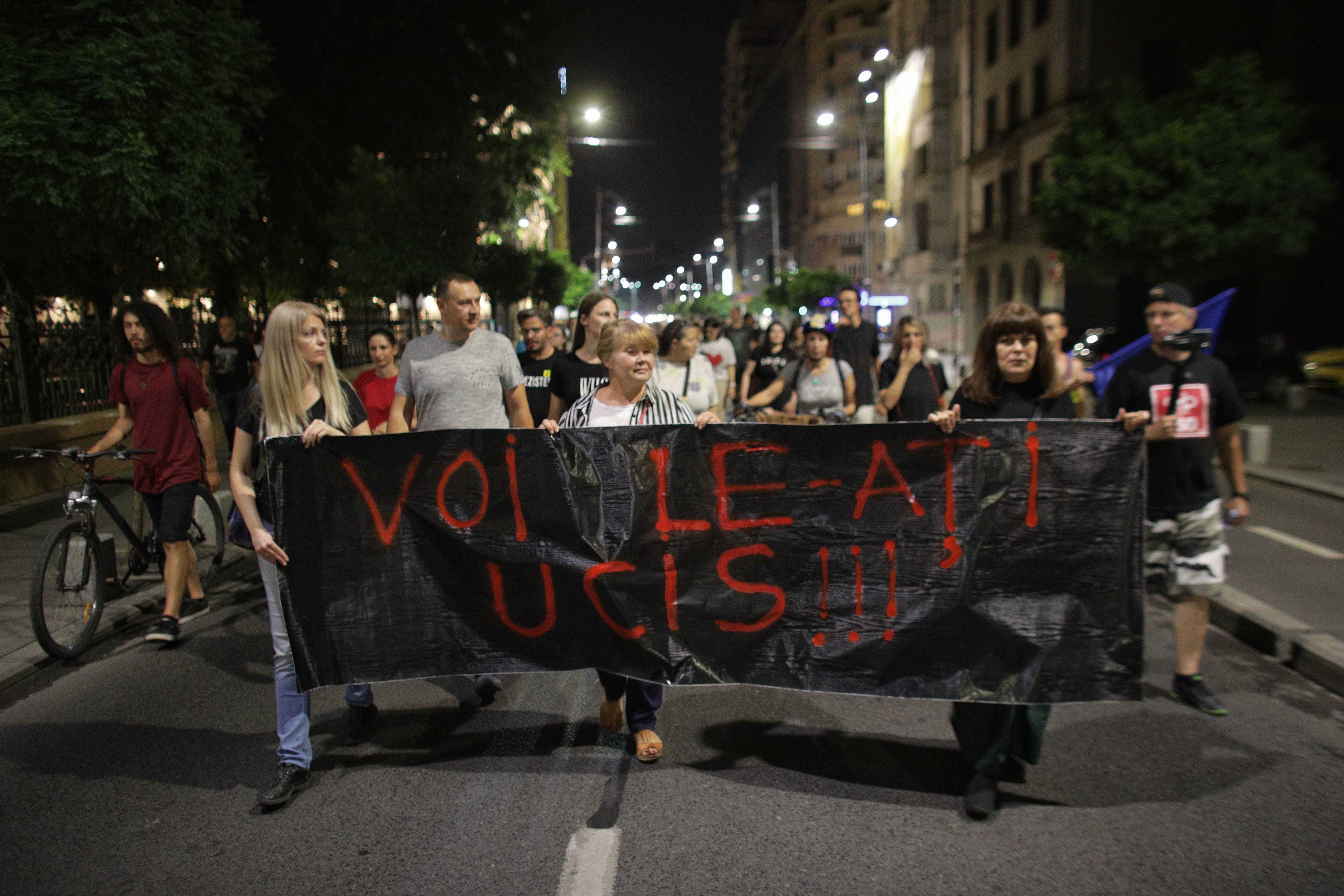 Protest în Piata Victoriei, după publicarea stenogramelor de la 112 cu Alexandra