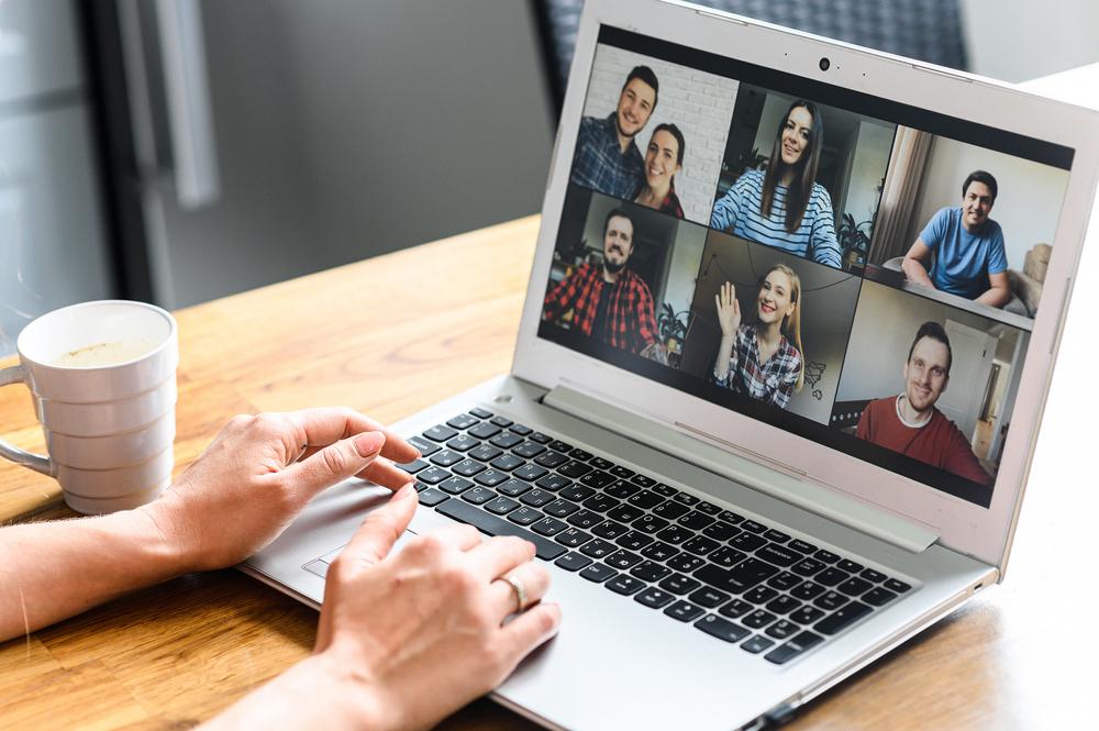 Companiile IT pregătesc aplicații și noi măsuri pentru angajații care nu mai vor să muncească de acasă