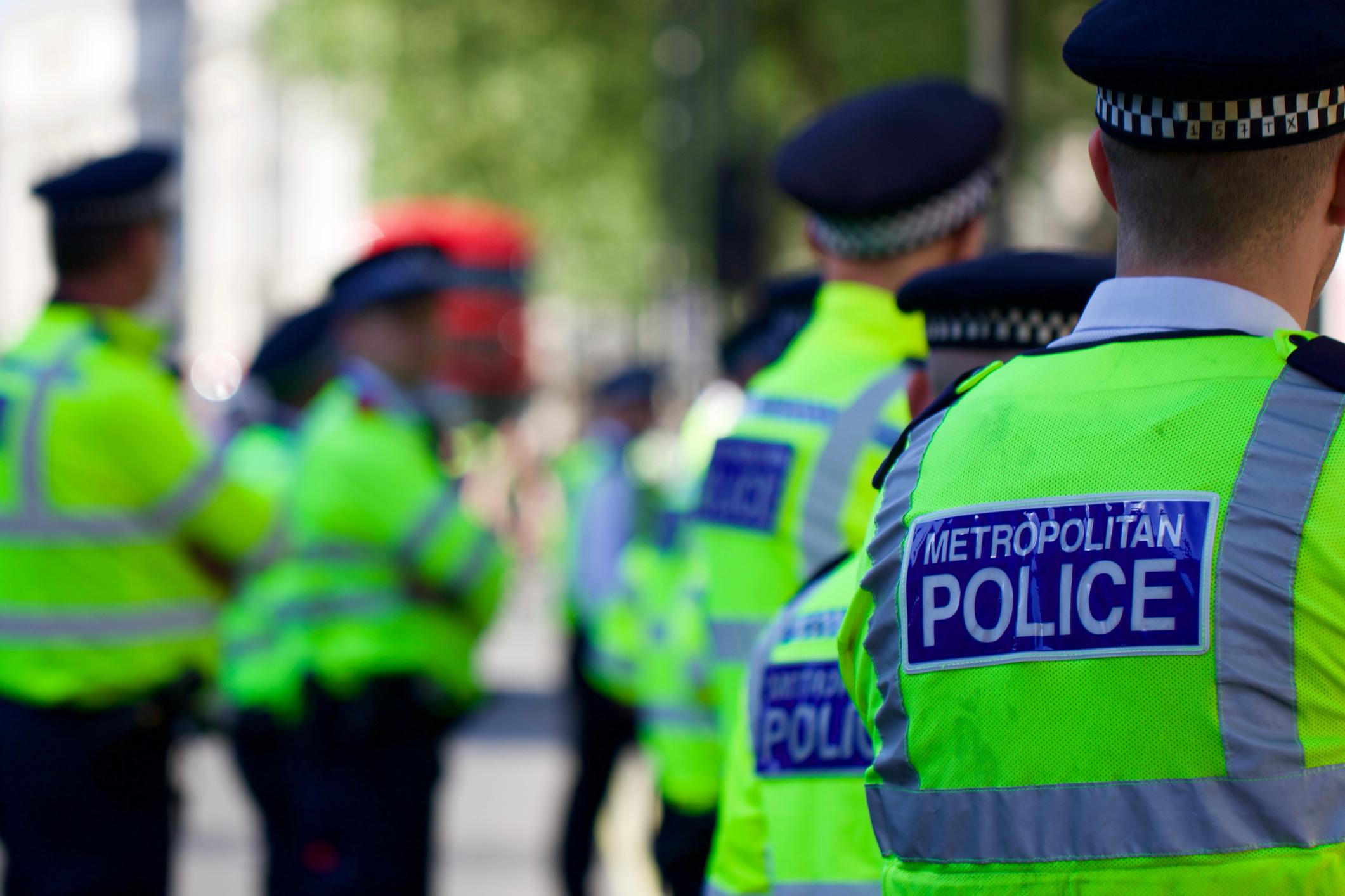 O mașină a intrat în pietoni într-un cartier din Londra. Momentan, incidentul nu este tratat drept terorist