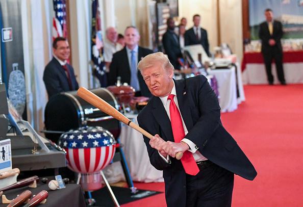 Donald Trump, pe teren la un celebru meci de baseball. Ce rol va avea președintele SUA