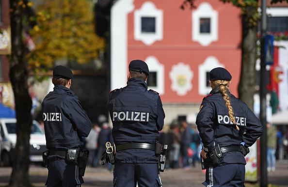 Poliţia austriacă a arestat 30 de persoane în raiduri antiteroriste. Ele aveau legătură cu 2 mişcări islamiste