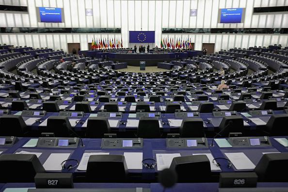 PE cere evaluarea impactului măsurilor anti-Covid asupra drepturilor și libertăților cetățenilor UE