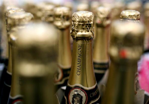 """Rusia a retrogradat șampania de import la """"vin spumant"""". Producătorii francezi solicită oprirea livrărilor către Rusia"""