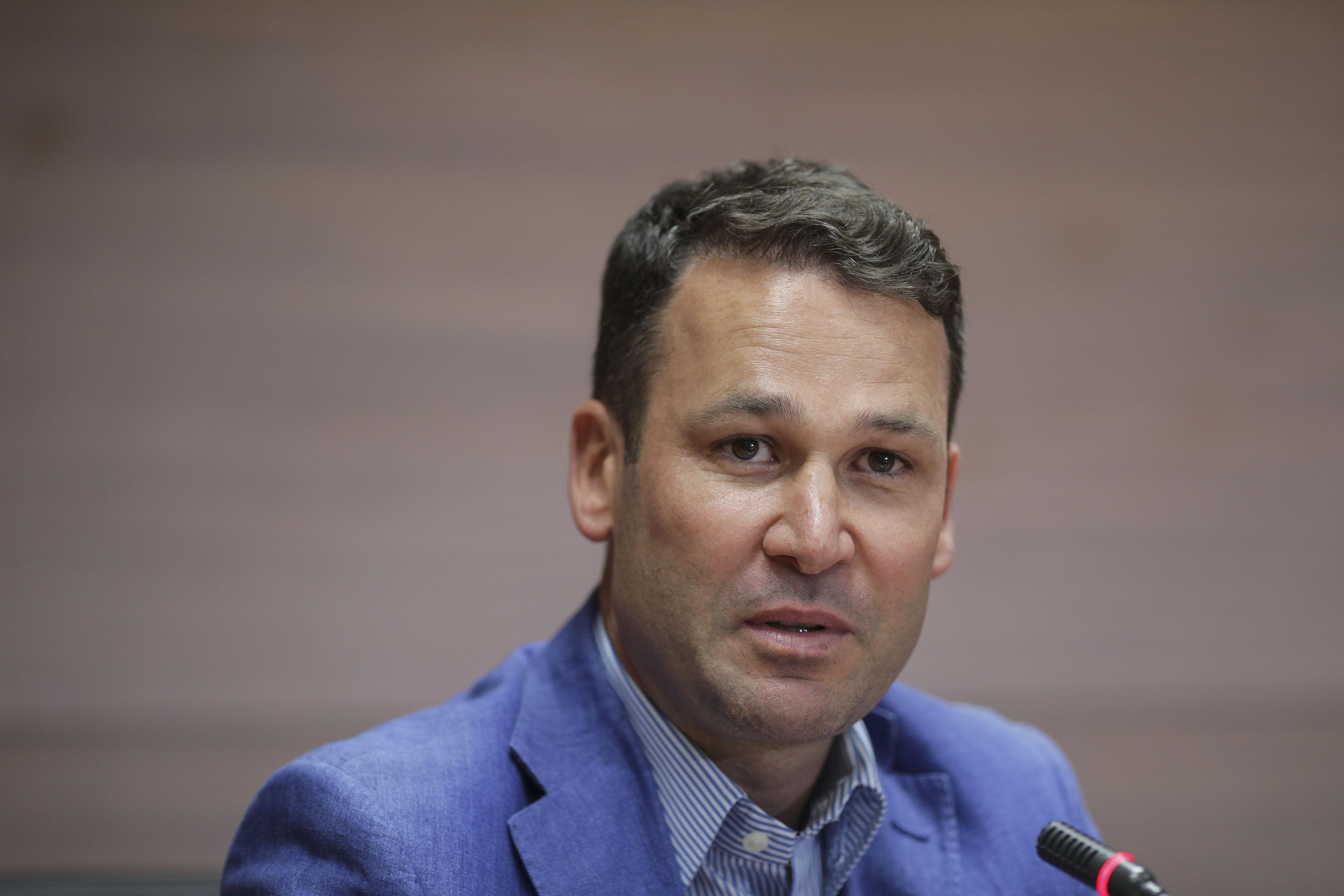 USR PLUS a depus plângere penală la DNA împotriva primarului Sectorului 3. De ce este acuzat Robert Negoiţă
