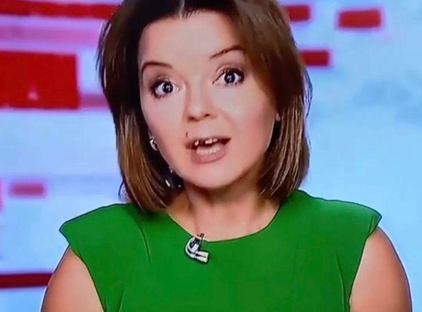 VIDEO. O prezentatoare TV a rămas fără un dinte în timpul unei transmisiuni live. Ce s-a întâmplat