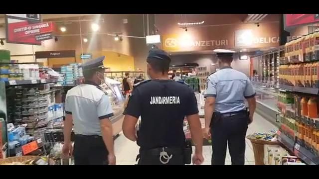Razii ale poliției în starea de alertă. Petreceri la piscină și botezuri fără respectarea normelor