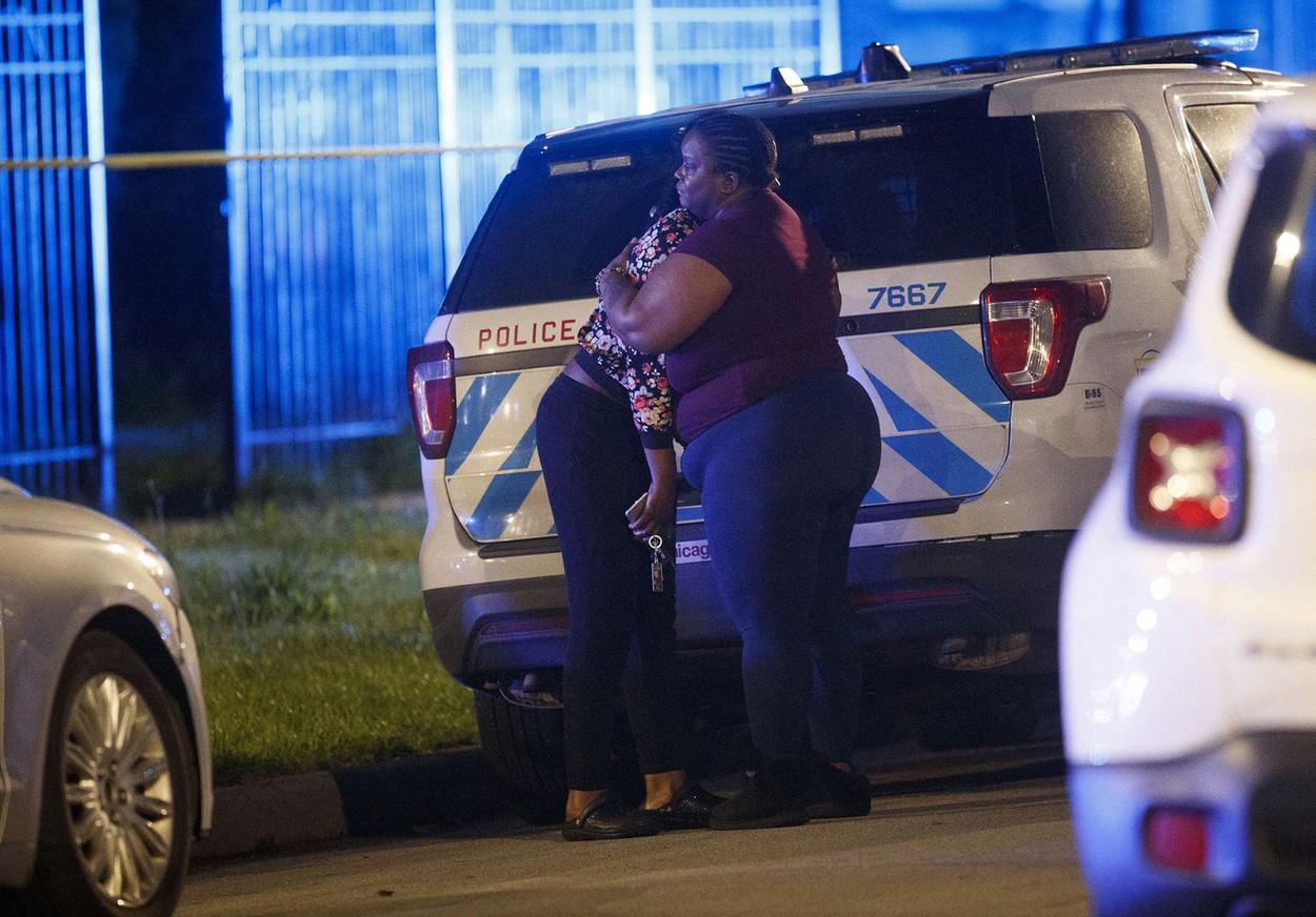 Cel puţin 54 de oameni împuşcaţi la Chicago, în incidente armate. Șapte dintre ei au murit
