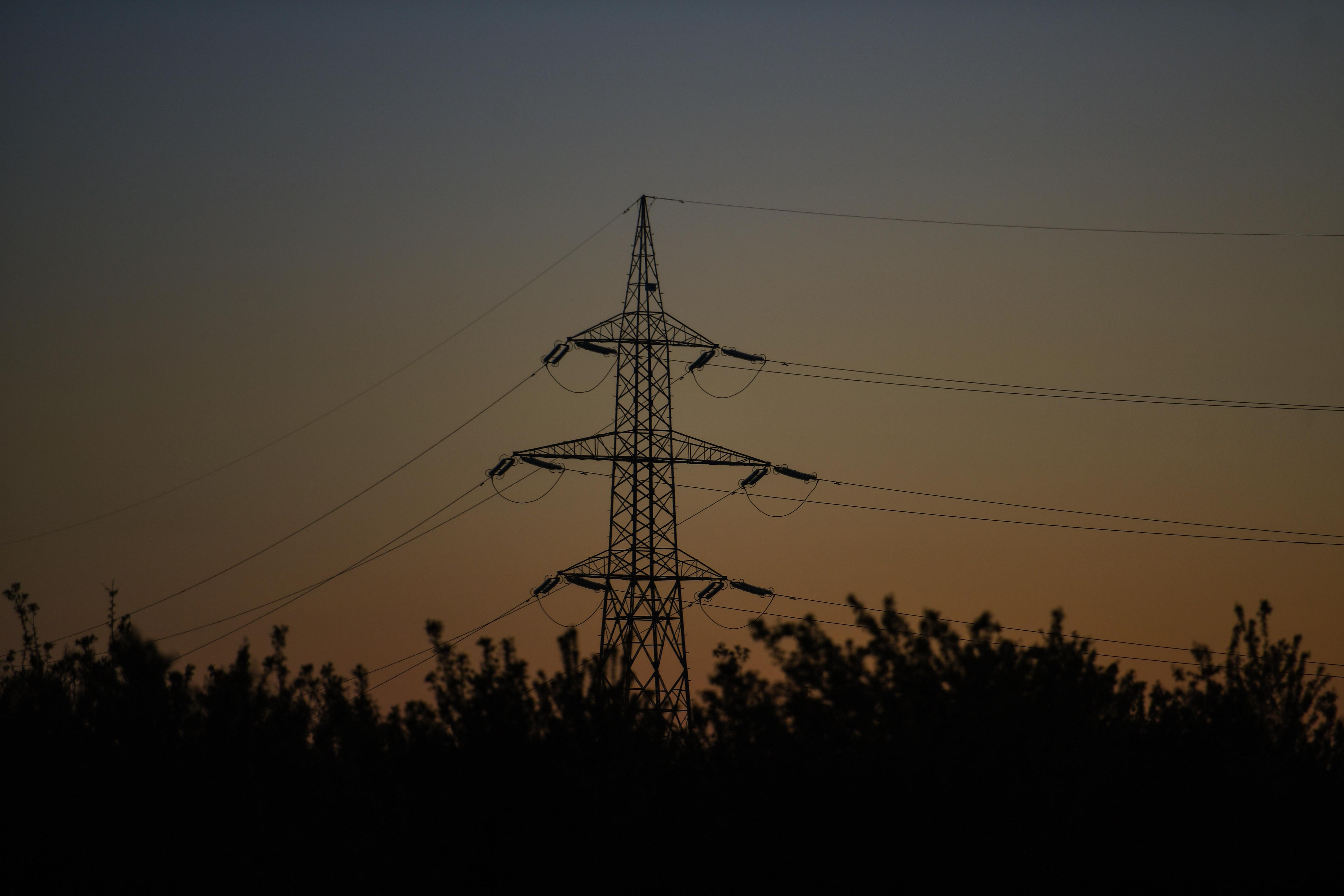 Alimentarea cu energie electrică va fi întreruptă temporar în zone din Bucureşti şi din judeţele Ilfov şi Giurgiu