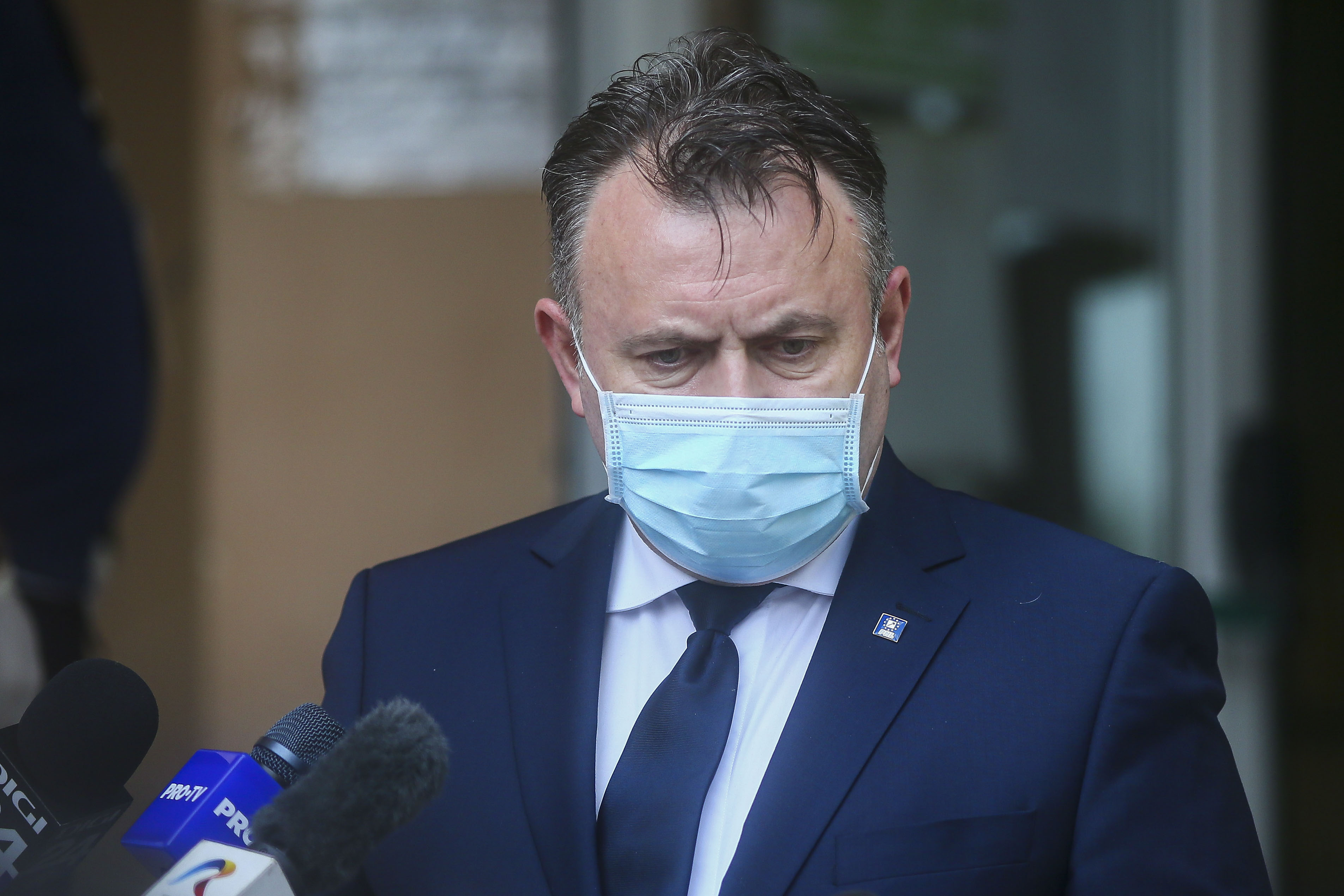 Avertismentul lui Tătaru, după o nouă zi cu peste 2.000 de cazuri: