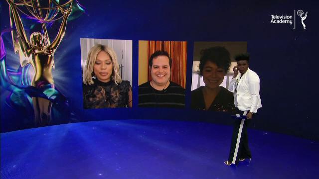 Pentru prima oară în istorie, Gala Premiilor Emmy a avut loc fără covor roşu