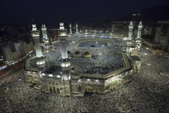 Marele pelerinaj de la Mecca a început în mijlocul unor restricţii sanitare sporite