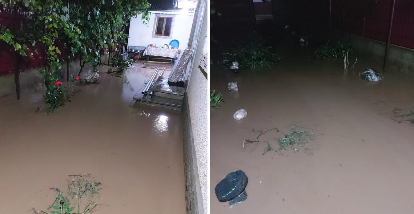 Cod roşu în Neamţ. Gospodării și drumuri au fost inundate. Mai multe persoane, evacuate