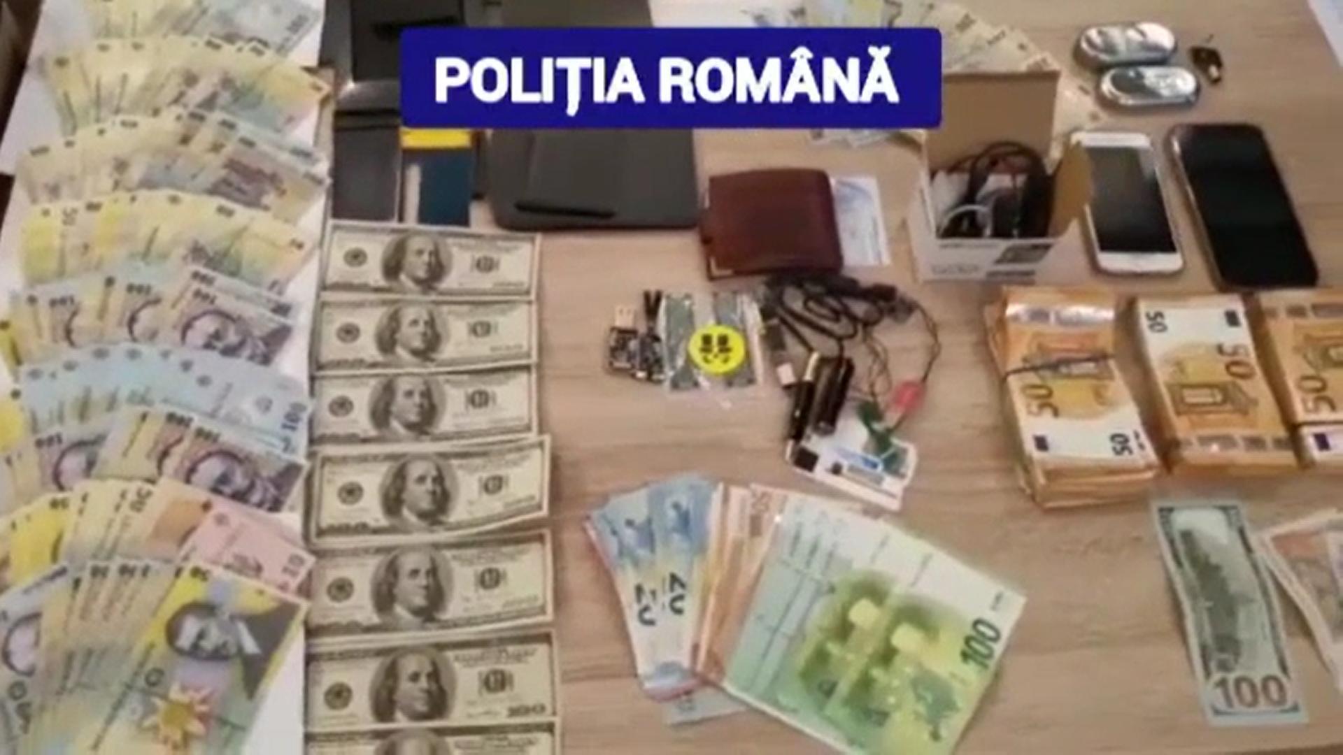Câțiva samsari de maşini din Dâmbovița sunt bănuiți că ar fi cumpărat autoturisme cu bani falși