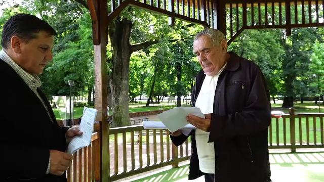 Povestea emoționantă a bărbatului care a amenințat că se aruncă în aer în fața Prefecturii din Bistrița