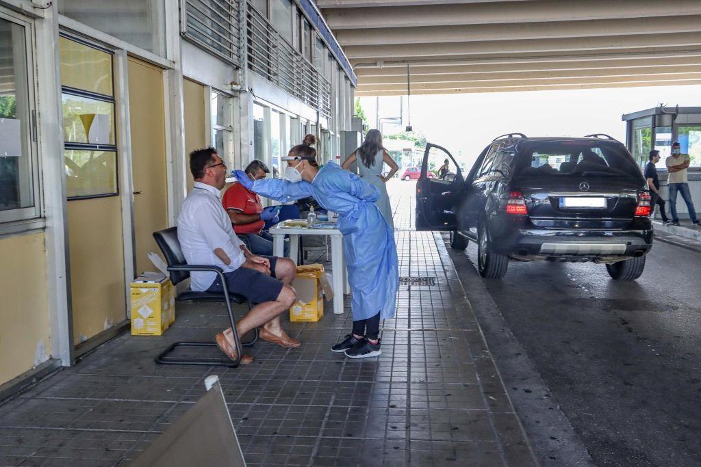"""Grecia nu testează Covid-19 toți turiștii care intră în țară. MAE anunță """"o regretabilă eroare de traducere"""""""