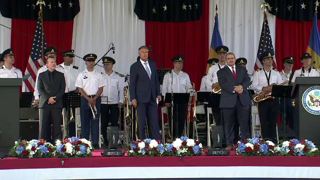 Premierul și președintele României au participat la recepția de Ziua Americii. Printre invitați au fost și medici