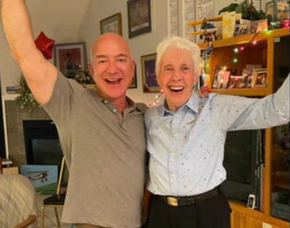 Cine este femeia în vârstă de 82 de ani care îl va însoți pe Jeff Bezos în spațiu