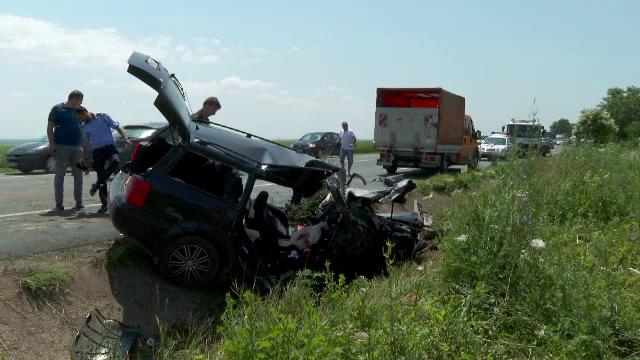 Val de accidente pe șoselele din România. Un bărbat a murit în Buzău