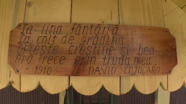 La Polovragi, cele 100 de fântâni din comună vor avea istoria scrisă, în versuri, pe tăblițe din lemn