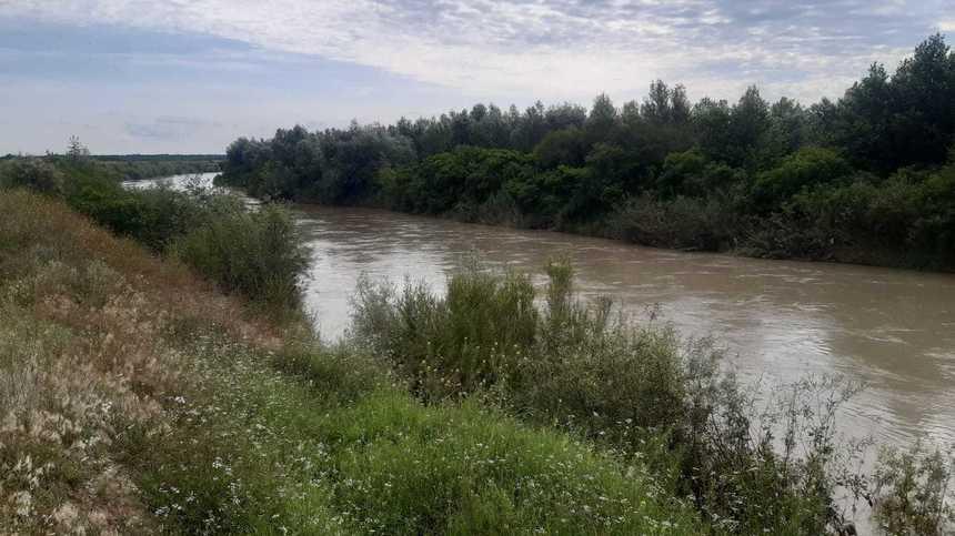 Fetiţa de 6 ani care a dispărut joi seara a fost găsită pe cursul râului Buzău