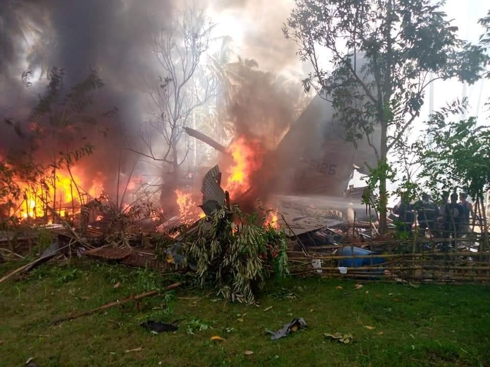 Un avion cu 92 de persoane la bord s-a prăbuşit în sudul Filipinelor. Cel puțin 29 morți